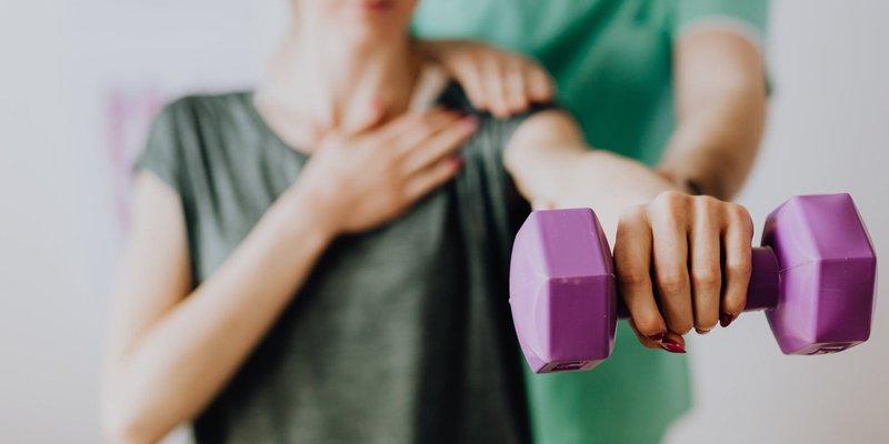 Fysioterapeuter hjælper dig med at holde din krop i form