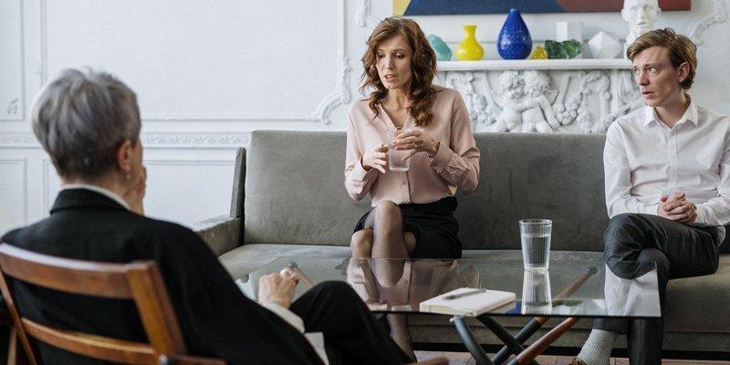 Psykologer foretager forskellige typer af behandling til både individuelle og par